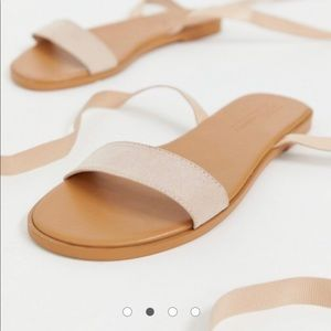 NEW in box ASOS 🌺Priced To Sell 🌺 Sandals!